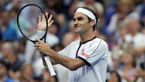 Federer, 100. maçından galibiyetle ayrıldı
