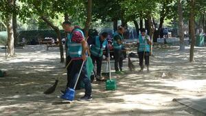 Esenlerde hükümlüler 'Millet Bahçesinde temizlik yaptı