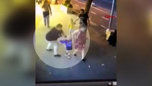 Ailesi ile yürüyen çocuklara bıçakla saldırdı