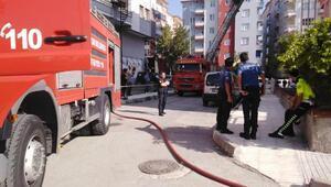 Polis memuru görevdeyken evinde yangın çıktı; eşi ve 2 çocuğu kurtarıldı
