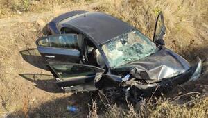 Otomobil, sulama kanalına devrildi: 5 yaralı