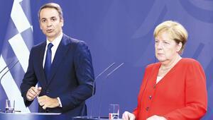 Miçotakis Türkiye'yi Merkel'e şikâyet etti