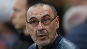 Maurizio Sarrinin başını sigara yakacak