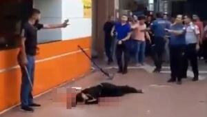Kan davası dehşeti; Defalarca bıçakladıktan sonra kimseyi yaklaştırmadılar