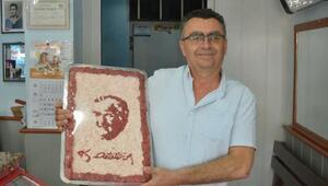 Kasap, et ve kıymadan Atatürk portresi yaptı