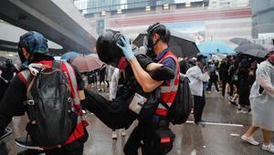 Hong Kong'da protestolar yasağa rağmen devam ediyor