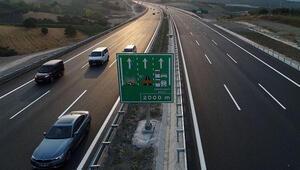 Bakan Turhan, İstanbul-İzmir Otoyolunu kullanan araç sayısını açıkladı