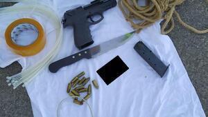 Eşi Öldürmeye geliyor diye ihbar etti, otobüste tabanca ve bıçakla yakalandı