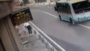 Ümraniyede 6 kişinin yaralandığı kaza kamerada