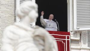 Papa Francis, asansörde mahsur kaldı