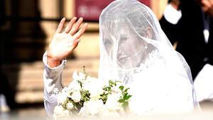 Ünlü şarkıcı prensesler gibi evlendi: Gelinlik 640 saatte dikildi
