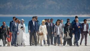 Emine Erdoğan Salda Gölünü gezdi