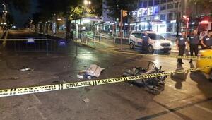 Fatihte motosiklet otomobile çarptı: 1 ölü, 1 yaralı