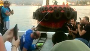 Tek parmağıyla 200 tonluk tekne çekti
