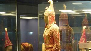 Altın Elbiseli Adam Ankaraya geliyor