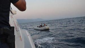 Dikilide 20 kaçak göçmen yakalandı