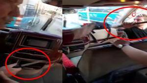 Minibüsçülerin bıçak ve levyeli yolcu alma kavgası kamerada