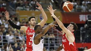 Son Dakika: ABD - Türkiye: 93-92