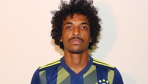 Luiz Gustavo gözyaşlarını tutamadı
