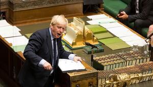 Boris Johnson 21 muhalif milletvekilini partisinin meclis grubundan ihraç etti