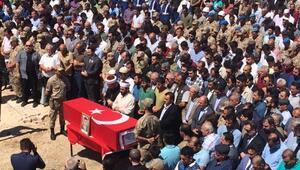 Şehit uzman çavuş Mehmet Acar son yolculuğuna uğurlandı