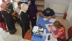Bandırma'da öğrencilere kıyafet yardımı yapıldı