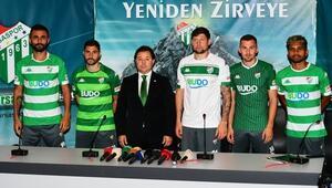 Bursaspor 5 yeni transfer için imza töreni düzenledi