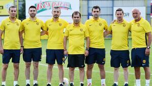 Ankaragücünde teknik direktör Metin Diyadin takımla ilk idmanına çıktı