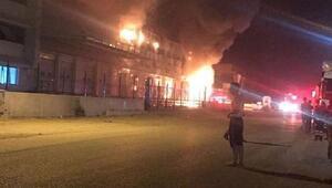 İzmirde ekmek fabrikasında yangın