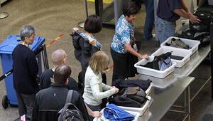 Filipinlerde Amerikalı kadın yolcunun el bagajından bebek çıktı
