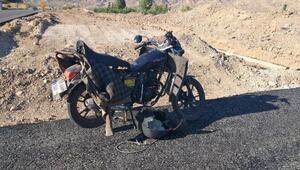 Suşehrinde motosiklet sürücüsü kazada ağır yaralandı