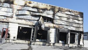 İzmirde çıkan yangında 4 işletme zarar gördü