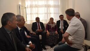 Vali Balcıdan, şehit ailesine ziyaret