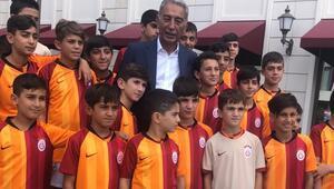 Adnan Polat: Cengiz yönetiminin ibra edilmemesi, Galatasarayı yıpratan hareketti