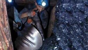 Ocaktaki patlamadan 9,5 ay sonra ölen madenci toprağa verildi