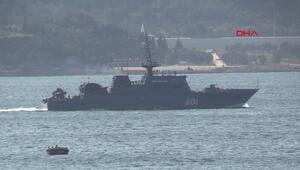 Rus askeri gemileri peş peşe Çanakkale Boğazından geçti