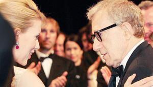 Scarlett'ten tam destek