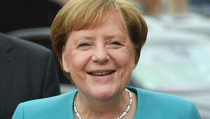 Merkel'e anket dopingi