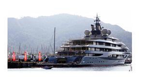 136 metre uzunluğunda, 2 helikopter pisti var Dünyanın en büyüğü Marmariste...