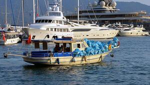 Böyle hırsızlık görülmedi Marmarisin koylarından topladığı çöpler çalındı