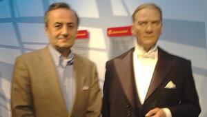 Atatürk'ümüzü Berlin'de de görmek istiyoruz