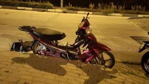 Kazada 50 metre sürüklenen motosiklet sürücüsü ağır yaralandı