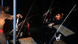 Denizde can pazarı İki tekne çarpıştı, içindeki 10 kişi...