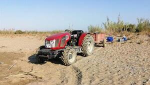 Caretta caretta sahiline traktörle girdi, görevlilere Sizi gömerim dedi