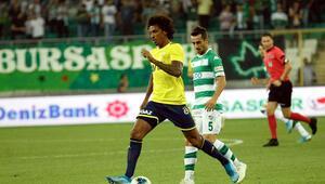 Fenerbahçede Luiz Gustavo sakatlandı