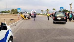 Hafif ticari araçla taksi çarpıştı: 1'i turist 2 yaralı