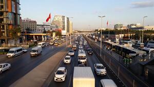 Okulun ilk günü İstanbulda bu görüntü oluştu