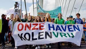 Rotterdam Limanı'nda iklim protestosu