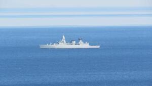 NATO gemisi, Kuzey Egede kaçak geçişlere karşı devriye görevi yapıyor