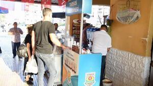 Tren garında vatandaşlara çay ve kahve ikramı